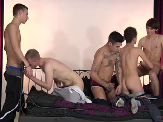 Guys And The City - 5 Horny Guys All Eager for It!