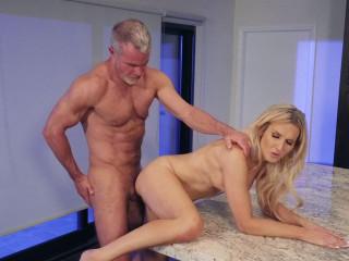 Dale Savage fucks Kayleigh Coxx's asshole (720p)