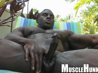 MuscleHunks - Aden Taylor - Buffed Out