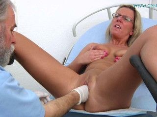 Senta (32 years girl gyno exam)