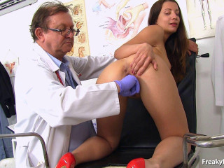 Gynecologist visit with beautiful brunette babe