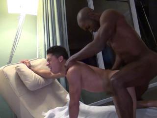 Troy Moreno Fucks Armond Rizzo (Bareback)