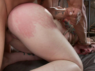 Tatted Biotch Gets Fucked Down Derrick Pierce Elizabeth Thorn