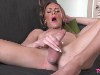 Meet Beautiful Ava Dupree