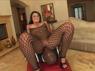 Latina enjoys ebony cocks