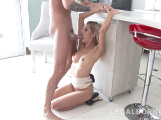 Veronica Leal Assfucked