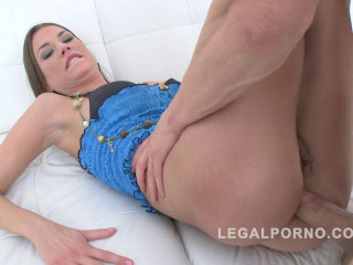 Sizzling newcummer honey in very first anal