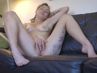 Evie - Stretched