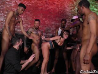 Hot Jennifer White Gets Total Gangbang With Big Black Cocks
