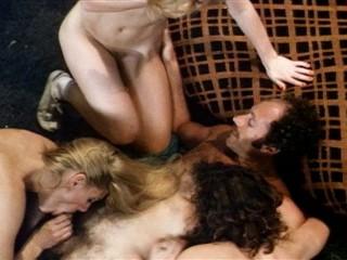 Garage Girls (1980) - Georgina Spelvin, John Leslie, Lisa De Leeuw