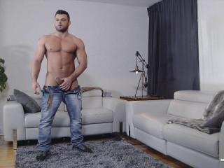 Jeremy Pulverizes