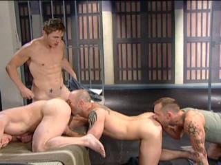Deep orgies with spectacular hunks