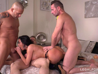 Luxury Sex addict Veronica Avluv gets a Double anal Gangbang for Dinner (2019)