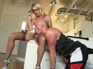 Ultra-kinky She-male Housewives (2016)