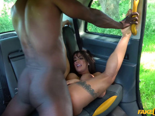 Princess Jasmine - Escaped horny prisoner needs cock FullHD 1080p