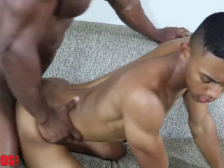 DeAngelo Jackson fucks Arvion Kylers' asshole (1080p)