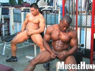 MuscleHunks - Orso Orfeo and Manuel Melia