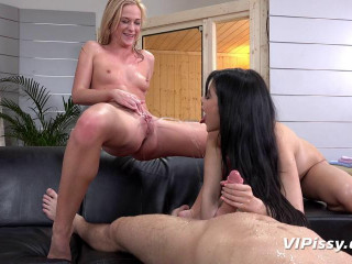 Woman Dee and Vinna Reed