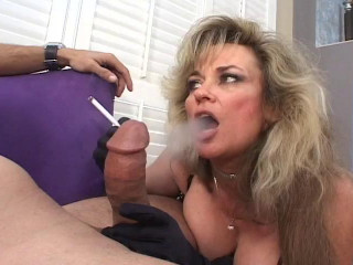 Senior femmes deepthroat dick and smoke