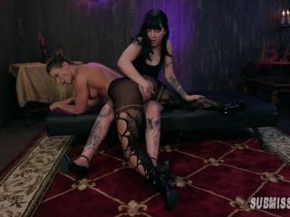 SubmissiveX - Lesbian Anal Hook Up Bar 720p