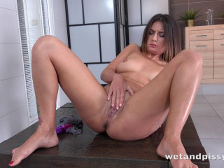 Camilla Moon - Coming back for more