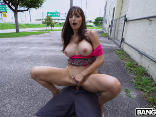 Lexi Luna - Lexi Having Wild Fun Around The City (2018)