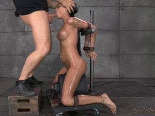 Raven Bay bound on movable sybian