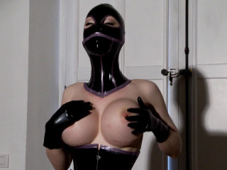 The Latex Avenger Strikes Again - Latex Lucy