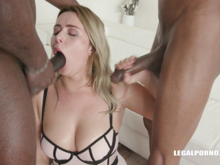 Big Ass Slut Enjoys Interracial Orgy With 4 Big Black Dicks & DP