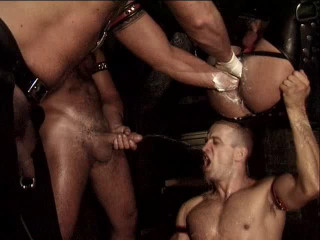 Muscle Pigs In Brutal Gangbang