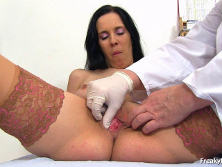 Luisa 25 years damsels obgyn exam (2015)