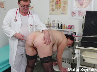 Diana Barrett Massive buxom countrywoman immense climax blasts in obgyn chair