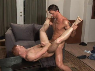 Straight Penetrate With Muscle Bodybuilders