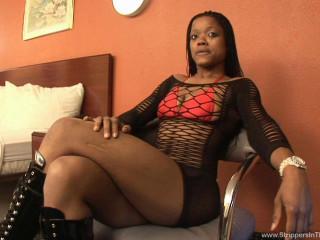 ultra-kinky sexy black stunner Mz Candy penetrate