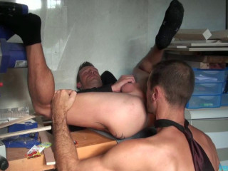 FrenchDudes- I hate to be managed -T-Bow & Picwick
