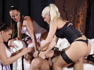 Wendy Moon, Blanche Bradburry, Mea Melone - Female dominance Paradise 3 Glamour Dommes Abase Man
