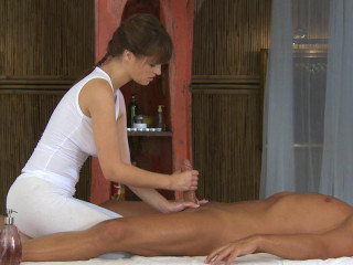 Hot Pretty Girls Masseuses Give A Pleasure