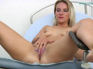 Bianca Ferrero - 31 Years Cougar Gyno Check-up