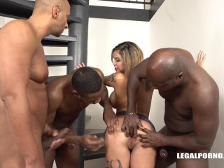 Busty slut Heidi Van Horny is coming to try black cocks