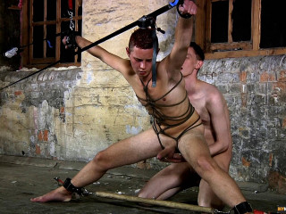 Ashton Bradley bangs Aiden Jason's sphincter (1080p)