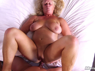 Lila - Curvy all natural blonde Milf (2019)