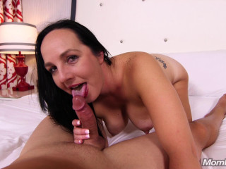 Thick Inexperienced Cougar Luvs Anal