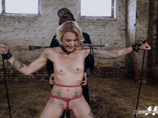 Femdoms Lullu Gun and Chick Cosima torment and dominate German soles victims