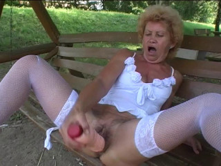Granny Effie loves huge dildo
