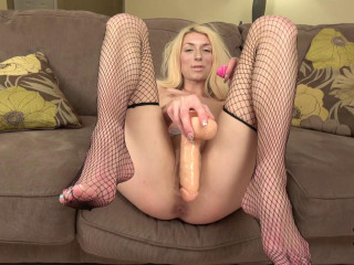 Holly's Favorite Dildo