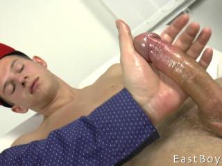 EastBoys - Raymond Hamilton - Hand job