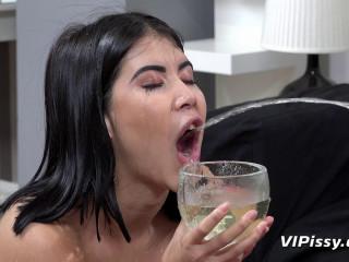 Piss Tasting Blowjob