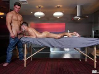 gr – Jock Rub (Casey Everett & Jordan Boss)