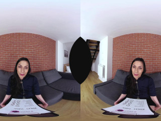 Slim girl in VR Casting