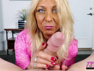 Joy Lynn Hart Mature Amateur Trans Sucks Dick And Loves It (2019)